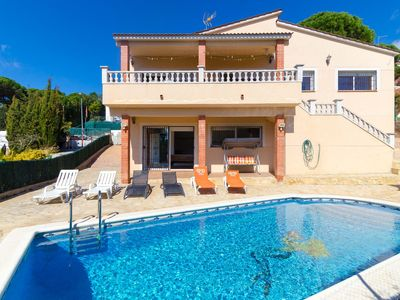 Photo for Club Villamar - Lovely villa with children games, pool table and private swimming pool