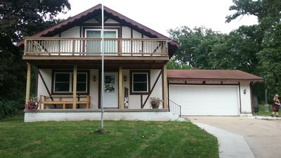 3 Bedroom, 2 Bath House, Large Yard, 4 Miles From New Glarus, 10 Miles To Monroe