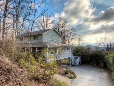 Photo for Mount Royal; Mountain views & Close to Asheville, Biltmore Park, restaurants.
