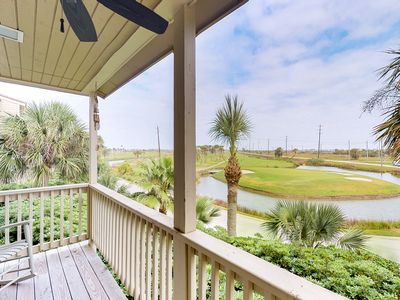 Photo for Cute condo with balcony overlooking golf course - minutes from the beach