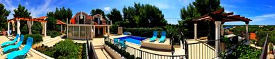 Photo for Villa for 16 people with a heated pool