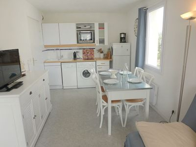 Photo for Cosy apartment for 4 people with WIFI, pool, TV and balcony