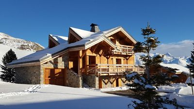 Photo for Les Carines, magnificent chalet 5 * at the foot of the Grandes Rousses