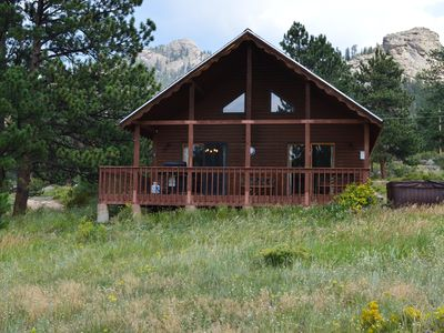 Photo for Cabin between Rocky Mountain National Park and downtown Estes