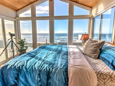 Photo for Ocean Front on Sandy Beach in Gleneden Beach! Ocean View Hot Tub! Dog Friendly!