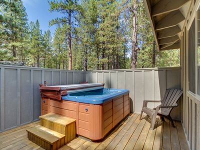 Photo for Family-friendly Sunriver home with private hot tub, SHARC passes!