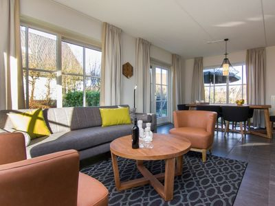 Photo for Bungalow in the holiday park Landal Kasteeldomein De Cauberg - Perfect location on top of the Cauberg