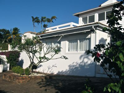 Photo for Deluxe beach house with swimming pool,terrace and sea view for 06 people .