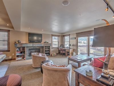 Photo for Remodeled condo steps from resort w/ pools, restaurants, mountain & valley view!