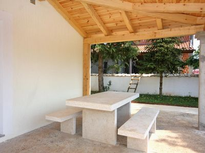 Photo for Two bedroom apartment with terrace Sveti Anton (Krk)