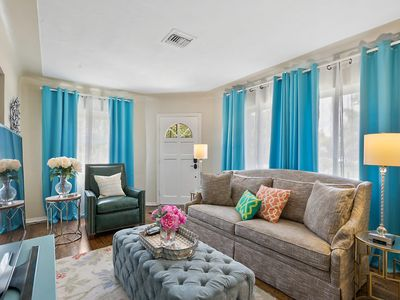 Cozy Palms: Pet Friendly Home In The Middle Of Everything! 4.2 Miles To Beach