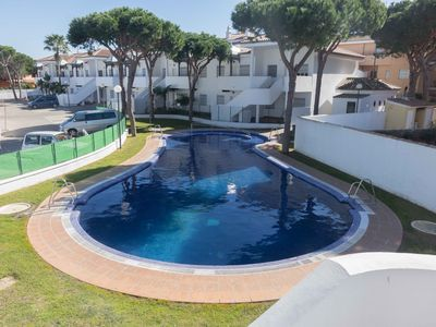 Photo for Apartment in quiet complex with pool