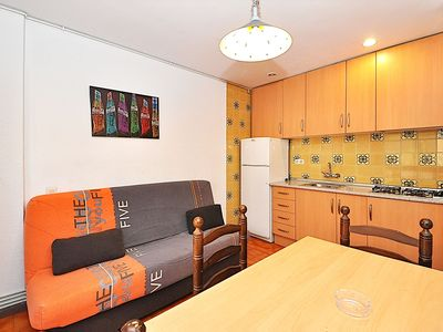 Photo for Apartment Zodiac. 2/4 people WIFI. Very close to мar.