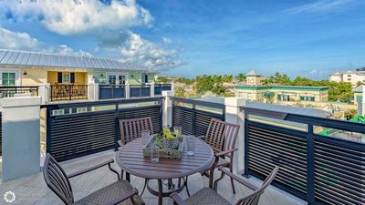 Photo for Elegant Island Living Only 1 Block off Duval + LAST KEY SERVICES…