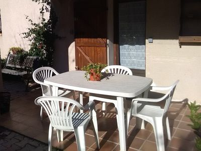 Photo for Studio with shaded terrace, located at the foot of the Garlaban