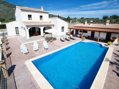 Photo for Cosy apartment for 8 guests with A/C, private pool, WIFI, TV and parking