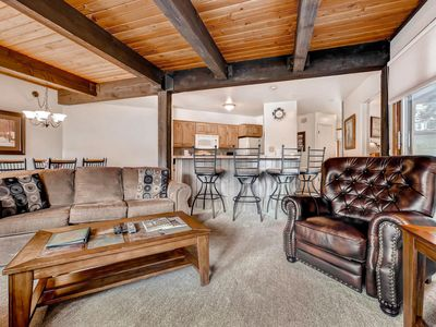 Photo for Impressive Mountain Condo- Close to Restaurants & Ski Trails--Disc Lift Tix Avail