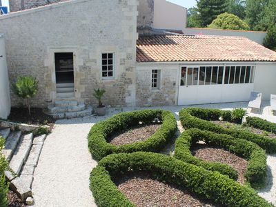 Photo for Large renovated character property 350 m2 garden pool / 6 bedrooms, outbuilding