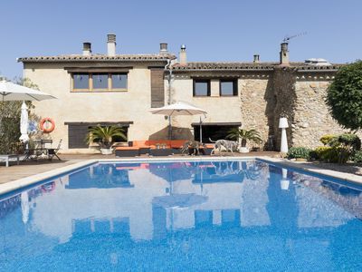 Photo for House in the countryside, for 6 up to 11 people and pets, with large pool
