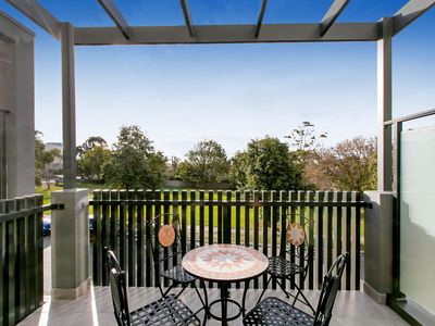 Photo for Brand New Townhouse in the heart of Mornington, Seaviews, Roof Top Deck