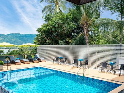 Photo for Magical 2 Bedroom Apartment with shared Pool in Center