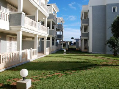 Photo for Comfortable and bright fully equipped, with swimming pool .Ed. Breeze