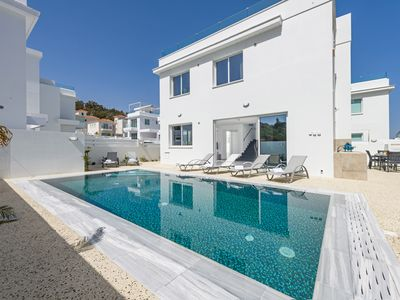 Photo for A modern built holiday home with impressive resort-style & a homely environment