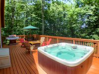 Great location, awesome hot tub