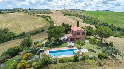 Photo for Private Tuscan villa with views and pool near Siena to rent for holidays