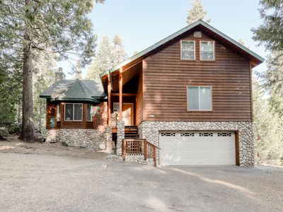 Forest view home w/ partially covered deck, great for anglers, boaters & skiers!