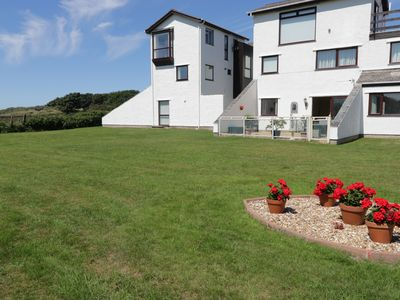Photo for BEACH HOUSE (TY TRAETH), pet friendly in Deganwy, Ref 962590