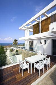 Photo for Villa Sapphire - Three Bedroom Beachside
