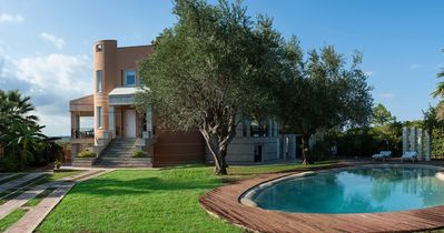 Photo for holiday vacation large villa rental italy, sicily, syracuse, pool, near beach, holiday vacation large villa rental italy