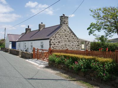 Ty'n Rhyd - a beautiful, cosy cottage on a quiet lane near Aberdaron