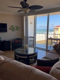 Remodeled 15th Floor Unit - Beachfront