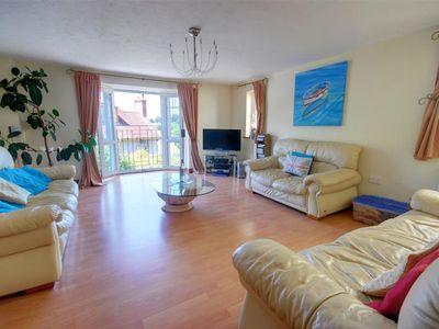 Photo for Vacation home Bay Breeze in Barnstaple and Braunton - 7 persons, 4 bedrooms