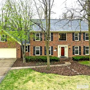 Photo for Stylish 2 story colonial nestled in the woods, 4 bedrooms 2.5 bathrooms