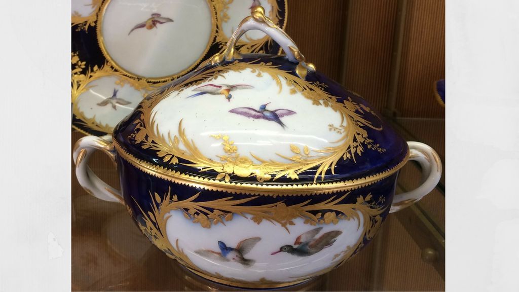Meeting sumptuous 18th Century French porcelain
