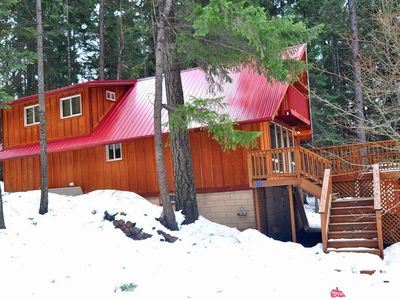 Photo for Private and cozy cabin on the shores of Lake Cle Elum! Relax and Unwind!!