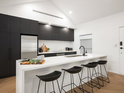 Photo for Luxury accommodation in central Mount Gambier