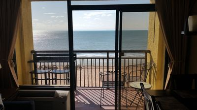 Photo for The Blue Crab - Outstanding Family Friendly Fun Resort direct Oceanfront