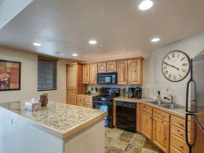 Photo for Foxpoint - 2BD - Beautiful Townhome At Redstone Walk To Shopping, Dining And Nightlife!