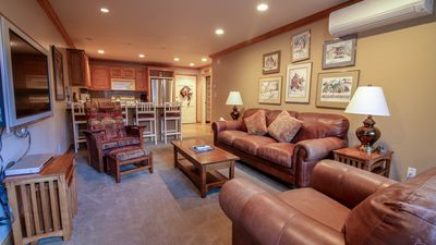 Photo for Comfortable Mountain Style 2 Bedroom Condo