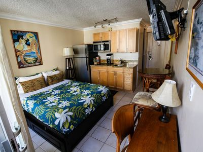 Photo for Waikiki Grand 905 Studio Condo