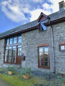 Photo for Cosy retreat in the Brecon Beacons with stunning views of the Usk Valley