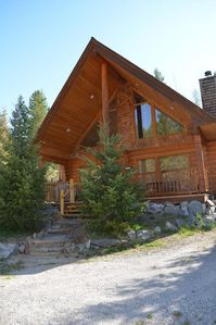 Photo for Beautiful Log Cabin|Sleeps 6|Mountains