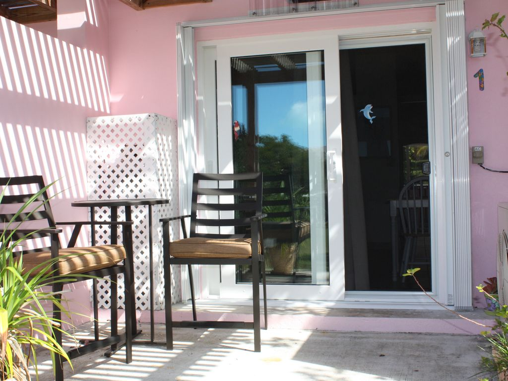One Bedroom Apartment With Beachfront Deadman 39 S Cay Long Island Rentals
