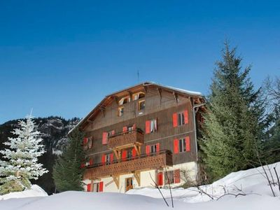 Photo for Les Hirondelle - Large traditional chalet