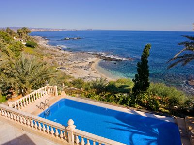 Photo for Ideal villa for large groups located in a secluded cove