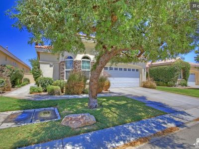 Photo for Golf Course View and Walking distance to Coachella and Stagecoach